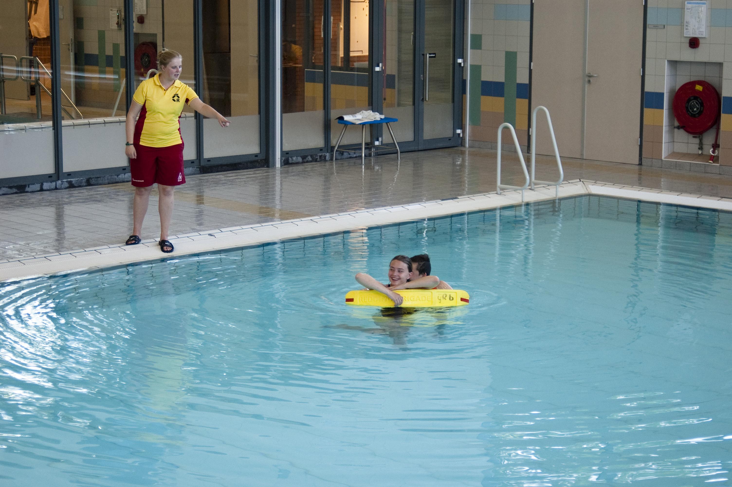 Zwemles IJmuider Reddingsbrigade - Zwemmend Redder